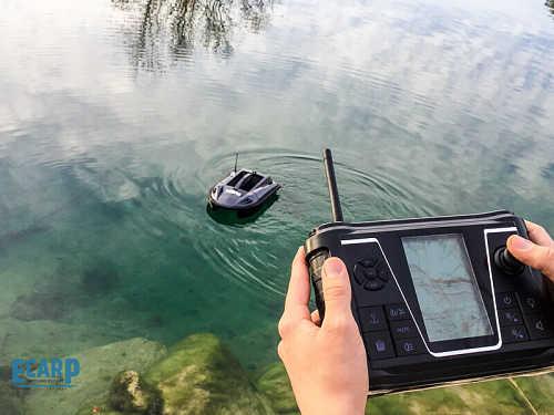 Mando barco cebador carpio - Barco cebador Carpio con GPS