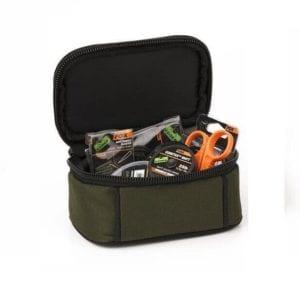 Macuto accesorios pequeño Fox 300x300 - Macutos, bolsos y mochilas de carpfishing