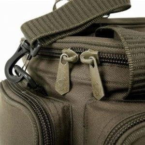 macuto nevera nash 5 300x300 - Macutos, bolsos y mochilas de carpfishing